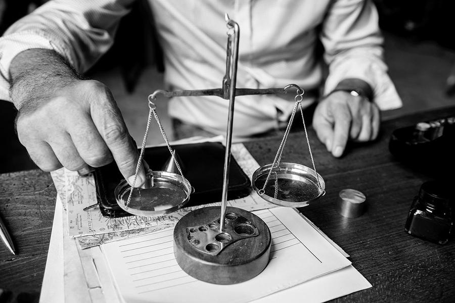 Навіщо потрібен кримінальний адвокат та як правильно його вибрати